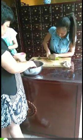 万隆中药柜—员工工作餐